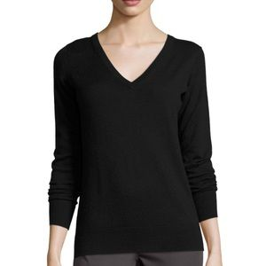 Minnie Rose black 100% cashmere v neck sweater