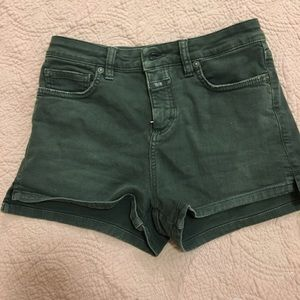 Closed Pants - CLOSED OLIVE GREEN DENIM SHORTS SIZE 25