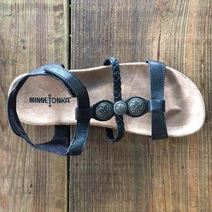 Minnetonka Shoes - Size 7 Minnetonka Leather Strap Casual Nice Sandal
