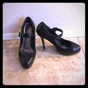 Tip Toey Joey Shoes - Selling joey heels size 9