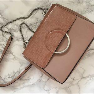 H&M Handbags - H&M blush shoulder bag with chain