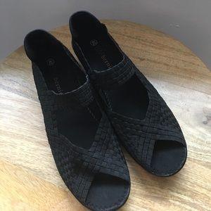 bernie mev. Shoes - Bernie Mev Lane Sandals