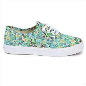 Vans Shoes - 🎉🎉HP🎉🎉Preloved floral vans in size 8.5