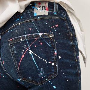 🆕Zara Mid risepaint splatter jeans