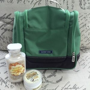 Lands' End Handbags - Lands End Toiletry Bag