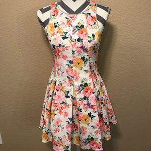 Sugarlips Dresses & Skirts - Sugarlips Floral Print Dress sz. M