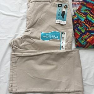 Lee Pants - Lee Relaxed Fit Straight Leg Pants NWT