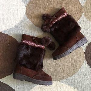 Minnetonka leather boots rabbit fur trim lined