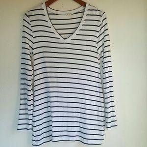 Zenana Outfitters Tops - Zenana M Medium Long Sleeve Striped V Neck Tee