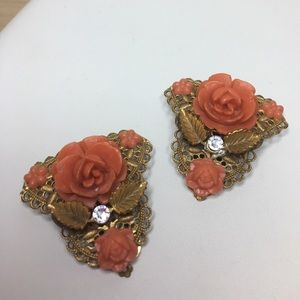 Vintage Jewelry - 🆕Vintage Gold & Coral Celluloid Rose Dress Clips