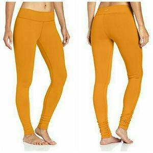Beyond Yoga Pants - Beyond Yoga Scrunch Legging