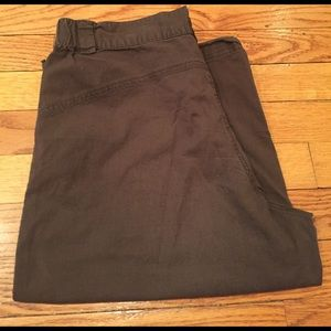 Danskin Now Pants - Brown calf length shorts