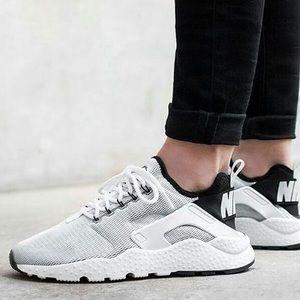 Nike Shoes - Nike Air Huaraches run ultra white/ black size 8.5