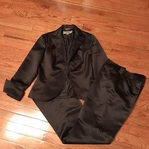 Allen Schwartz Dark brown pants suit