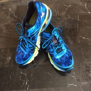 Mizuno Shoes - ⭐️Mizuno Wave Creation 15 Running Shoes⭐️
