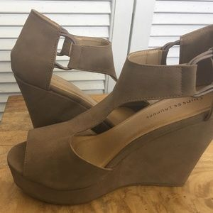 Chinese Laundry Shoes - Tan Wedges