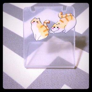 Brand new playful fat cat stud earrings