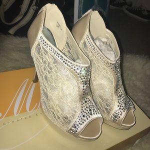 David's Bridal Shoes - 💥FINAL SALE!!!💥 FIRM!