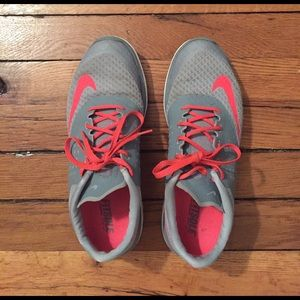 NIKE Gray and pink shoes size 10