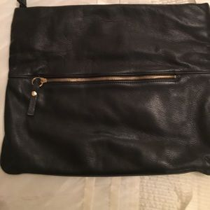 Handbags - ✨Genuine leather clutch✨