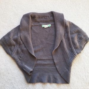 Nordstrom Sweaters - Gray cropped knit shrug