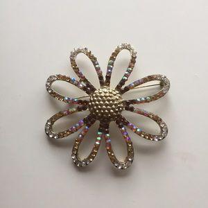 Jewelry - Giant Daisy Brooch