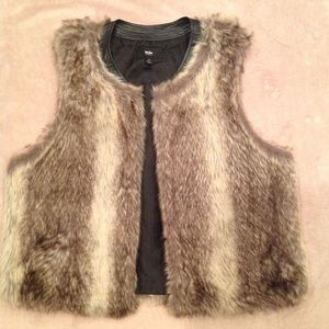 Mossimo Other - Faux Fur Vest with Faux Leather Trim
