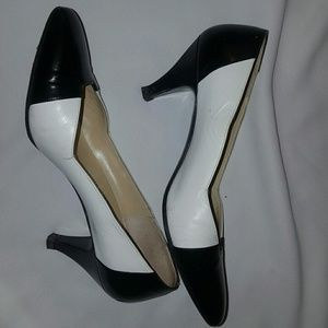 Givenchy Shoes - Auth Givenchy heels
