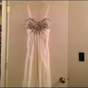 Alyce Paris Dresses & Skirts - Beautiful beaded gown. 💎 Make an offer!