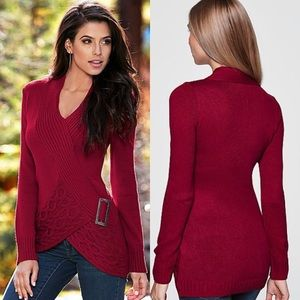 venus Sweaters - Red sweater with buckle