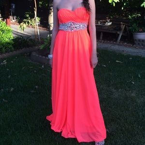 WINDSOR Dresses & Skirts - Brand New! Gorgeous Prom Dress