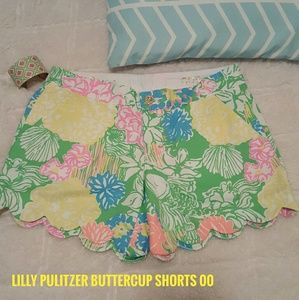 Lilly Pulitzer Pants - Lilly Pulitzer The Buttercup Scalloped Shorts 00