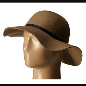 RVCA Accessories - NWT RVCA SUNNER HAT 100% wool floppy hat, OS