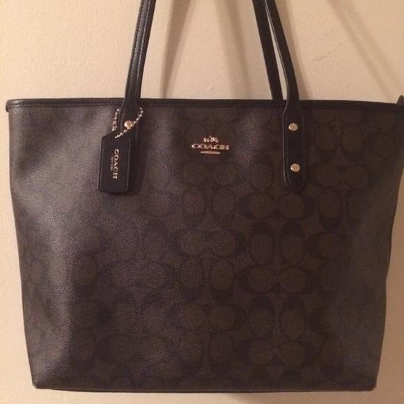 95b9a098ae9d Coach Handbags - Signature Coach City zip top Tote brown   black