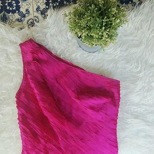 Carmen Marc Valvo Dresses & Skirts - 🌷CARMEN MARC VALVO one shoulder fuscia dress🌷