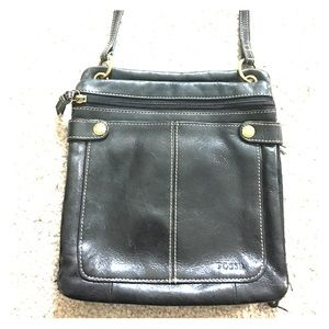 Fossil Handbags - 🗝Fossil black leather cross-body messenger purse