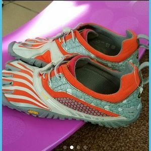 Vibram Shoes - Vibram Spyridon LS-- Open to reasonable offers!!