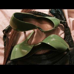 Fergie Shoes - Fergie Fergalicious Green Stillettos Heels Pumps