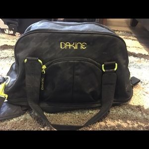 Dakine Handbags - Dakine Yoga bag