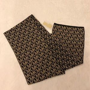 MICHAEL Michael Kors Accessories - NWT Micheal Kors Logo Scarf