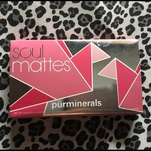 Pur Minerals Other - Pur Minerals Soul Mattes eyeshadow palette 🤘🏽