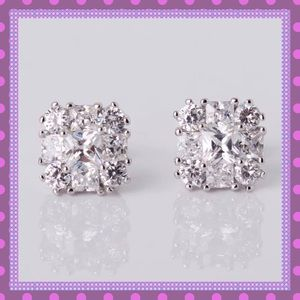 Boutique Jewelry - 💥White Gold/White Sapphire Stud Earrings💥