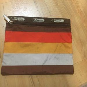 Lesportsac makeup bag with zipper