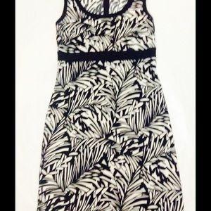 Chaps Dresses & Skirts - Chaps Black/White printed dress size 6.