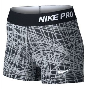 Nike Women Pro Cool Tracer 3'' Comp Short