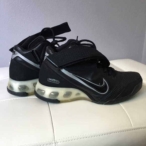Nike Black Air Max 180 Basketball