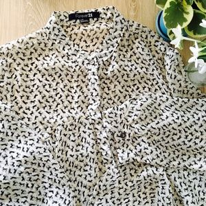 ModCloth Tops - Flowy Printed Blouse