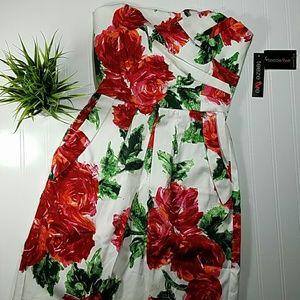 Teeze Me Dresses & Skirts - ✳ Floral dress