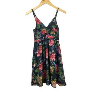 Planet Gold Dresses & Skirts - Planet gold floral v neck sun dress