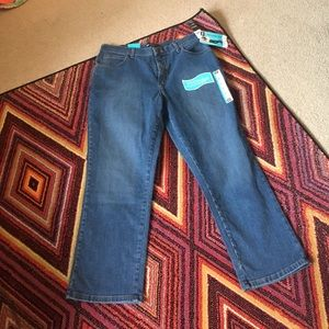 Lee Women's Relaxed Fit Jeans Size 12 Petite NWT